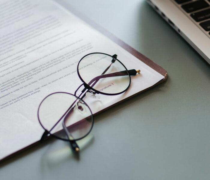Wie oft sollte ich meinen Brillenpass erneuern?